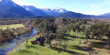 Exclusivo lodge ubicado en uno de los valles mas fertiles de la Patagonia lindero al Parque Nacional Nahuel Huapi.