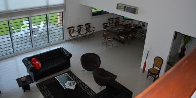 Hermosa Casa Quinta en Benavidez con añosa arboleda