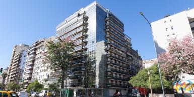 Excelente 4 ambientes frente a la embajada de Francia
