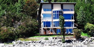 """""""El Barco"""" House in Llao Llao"""