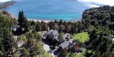 ILLIHUE HOUSE WITH LAKE SHORE ON NAHUEL HUAPI