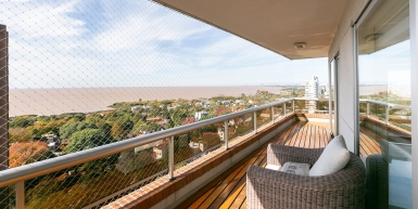 Excellent apartment with 360-degree panoramic views over the river and the city