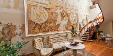 Enchanting~Completely Refurbished Mansion - Great Feng Shui!